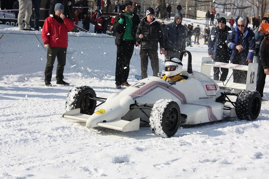 Є рекорд! Перший заїзд на льоду автомобіля класу «Формула-1600»